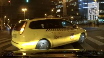 Videón a legpofátlanabb budapesti sofőrök
