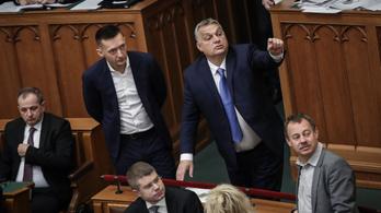 Orbán ráfröccsenő epeömlésre panaszkodik a parlamentben