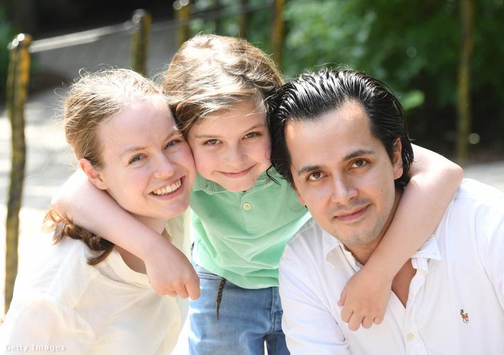 Laurent szüleivel