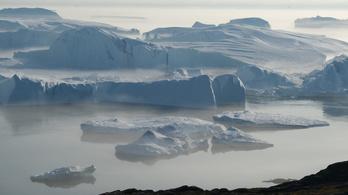Rohamtempóban olvad a jég Grönlandon