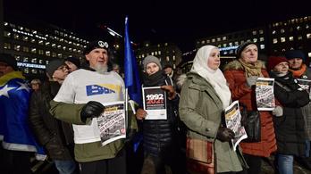 Peter Handke kitüntetése ellen tiltakoztak a Nobel-díjátadó előtt