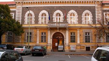 Hétfőtől már az apákat is beengedik a császármetszésre Szegeden