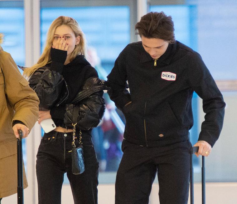 Brooklyn Beckham mindenesetre megmaradt a színésznők tábora mellett, új párja nem más, mint Nicola Pelzt, aki szerepelt például a Transormers egyik részében, illetve az Utolsó léghajlító című filmben is.