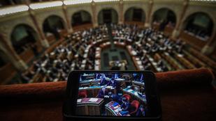 Fél óra alatt lezavarták a parlament idei utolsó szavazásait