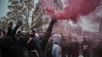 Macronék nem engednek a nyugdíjkorhatár emeléséből