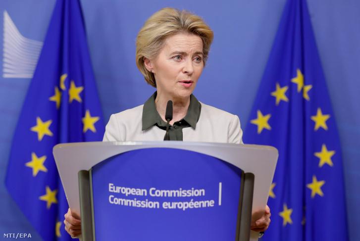 Ursula von der Leyen az Európai Bizottság (EB) elnöke ismerteti a bizottság környezetvédelmi terveit Brüsszelben 2019. december 11-én.