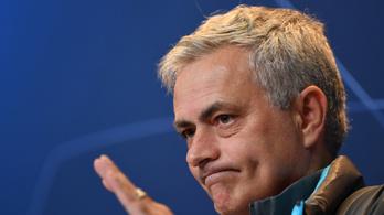 Megtiltotta játékosainak Mourinho, hogy visszanézzék a 7-2-es vereségüket