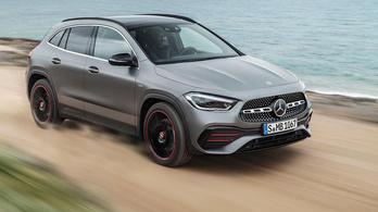 Bemutatták az új Mercedes GLA-t