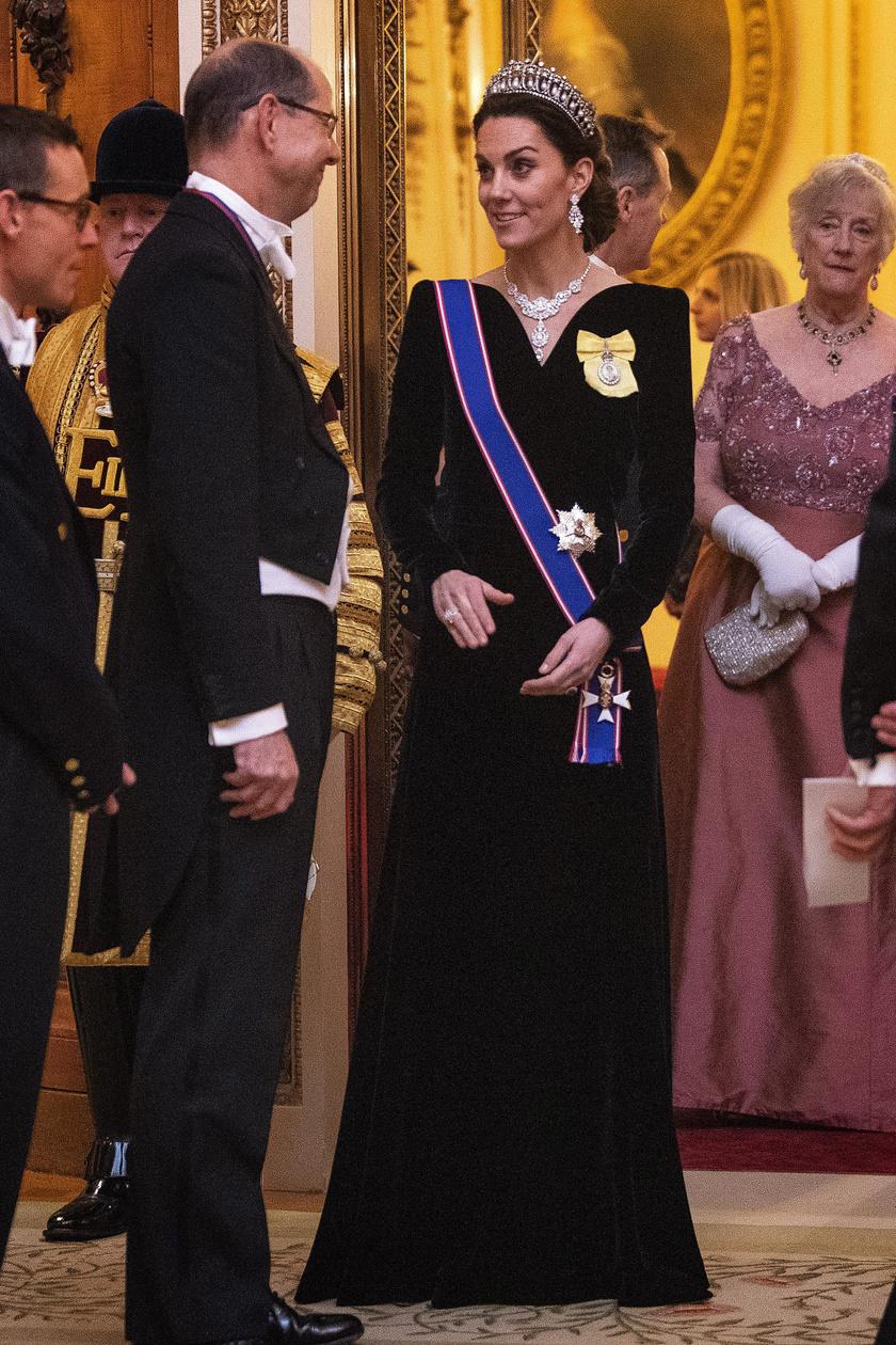 Katalin hercegné kedvenc tervezője, Alexander McQueen kreációját viselte szerda este.