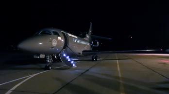 Dubajba, Las Vegasba és Panamába is repült a HM utasszállítója
