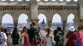 Mobiltelefonok helyadatait vásárolta meg a Magyar Turisztikai Ügynökség
