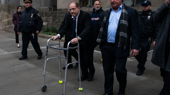 Harvey Weinstein peren kívül egyezett meg áldozataival