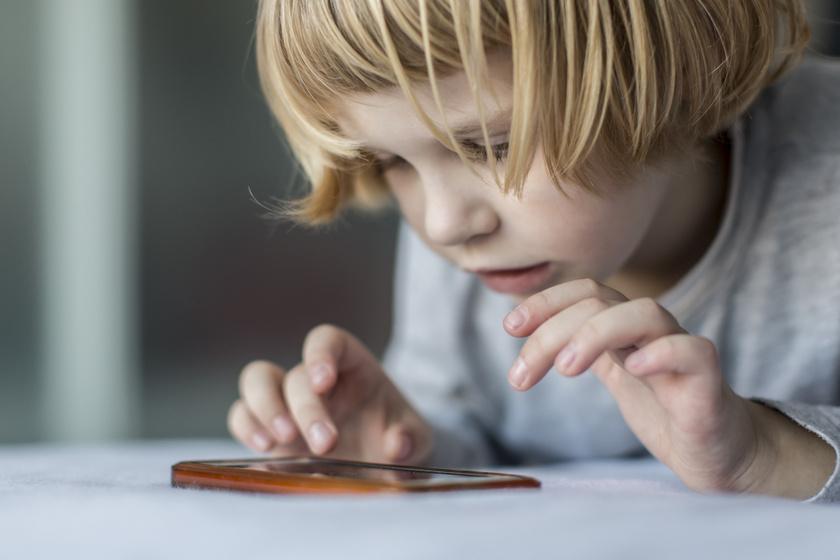 gyerek mobil kütyü okostelefon (1)