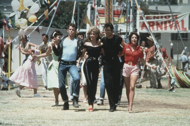 Olivia Newton-John és John Travolta a Grease zárójelenetében