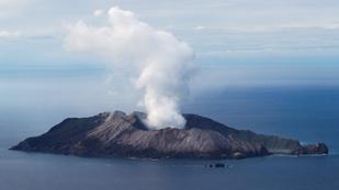 Katonák próbálják kihozni az új-zélandi vulkánkitörés áldozatainak holttestét