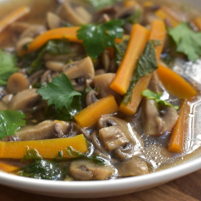 Tisztító, melengető ázsiai gombaleves: shiitake gombából a legfinomabb