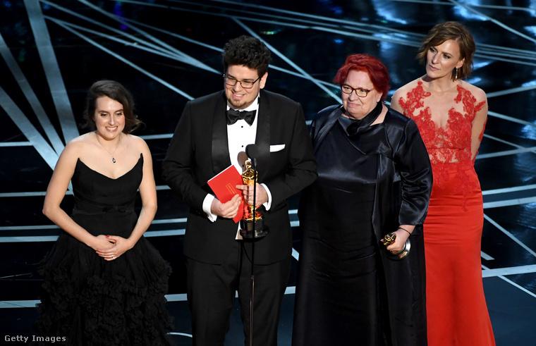 Február 26-án volt az ezévi Oscar-gála, ahol a Saul fia egy évvel korábbi győzelme után megint volt magyar siker: Deák Kristóf rövidfilmes kapott kitüntetést, a Mindenki című alkotásért