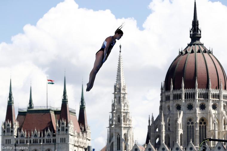 Júliusban vizes VB volt Budapesten, Baján pedig halfőző fesztivál