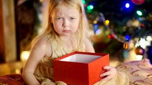 9 felettébb kínos karácsonyi ajándék, amitől az ünnepi asztal is felborult