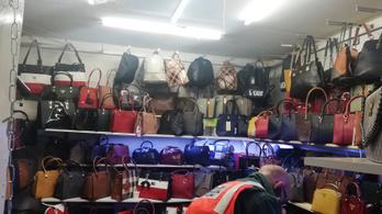Távirányítóval zárták le a kamu Gucci-táskákat áruló boltot, ha észrevettek egy NAV-ost
