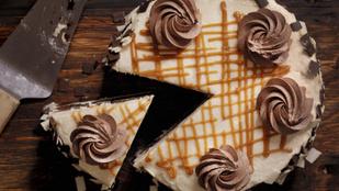 Egy szuper süti az ünnepekre: narancsos mézeskalácstorta gyömbéres-konyakos töltelékkel