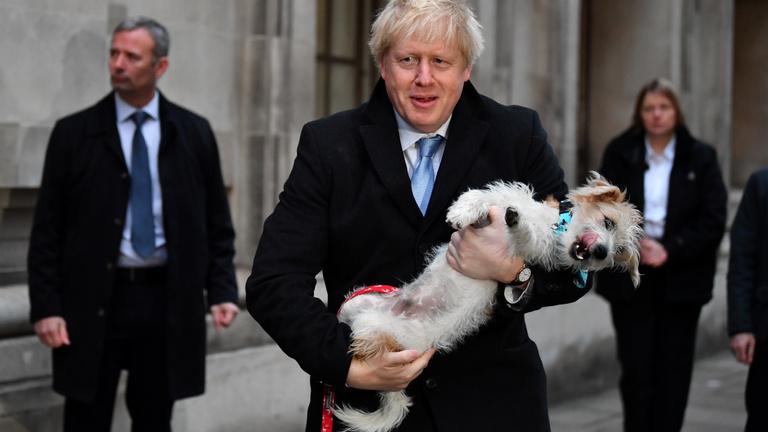 Boris Johnson nagyot nyert, kiléptetheti a briteket az EU-ból