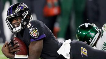 Hatalmas NFL-rekordot döntött meg a Ravens irányítója