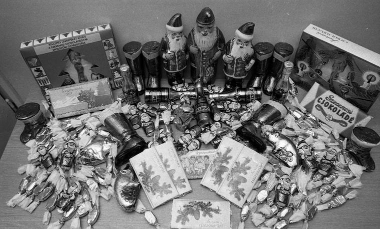 A rendszerváltás után aztán úgy érezték, bepótolhatják, amivel elmaradtak az elmúlt évtizedekben, és a fogyasztás a karácsony fontos részévé vált