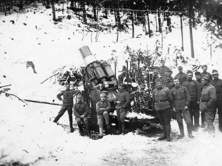 A karácsony a világháború alatt sem veszített fényéből