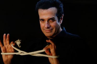 David Copperfield 29 évvel fiatalabb menyasszonyával mutatkozott - Az illuzionista kedvese barna szépség
