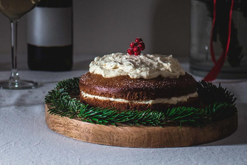 Mézeskalácsos-mascarponés torta: pihe-puha piskóta az alapja