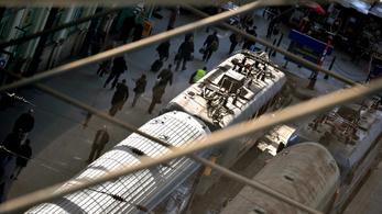 Tetveket jelentettek egy MÁV-vonatról: a cég átvizsgálta a szerelvényt