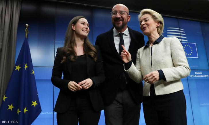 Sanna Marin, Charles Michel és Ursula von der Leyen 2019. december 13-án.