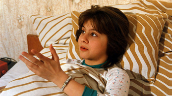 Ábel Anita nem lesz Julcsi, de ettől még folytatódhat a Szomszédok