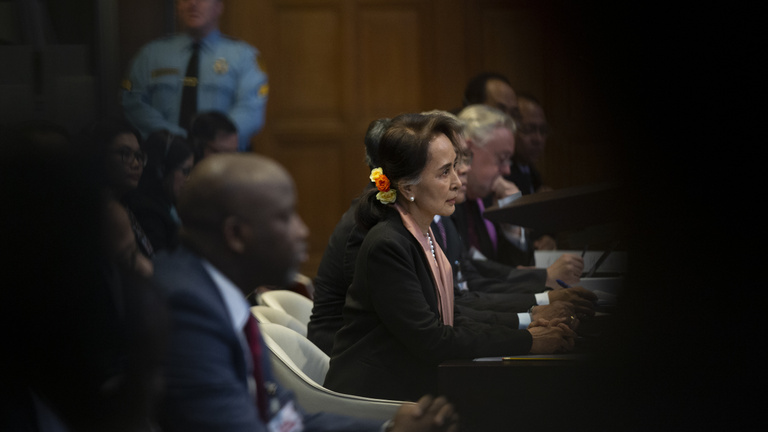 A Nobel-békedíjas hős védelmébe vette az etnikai tisztogatást