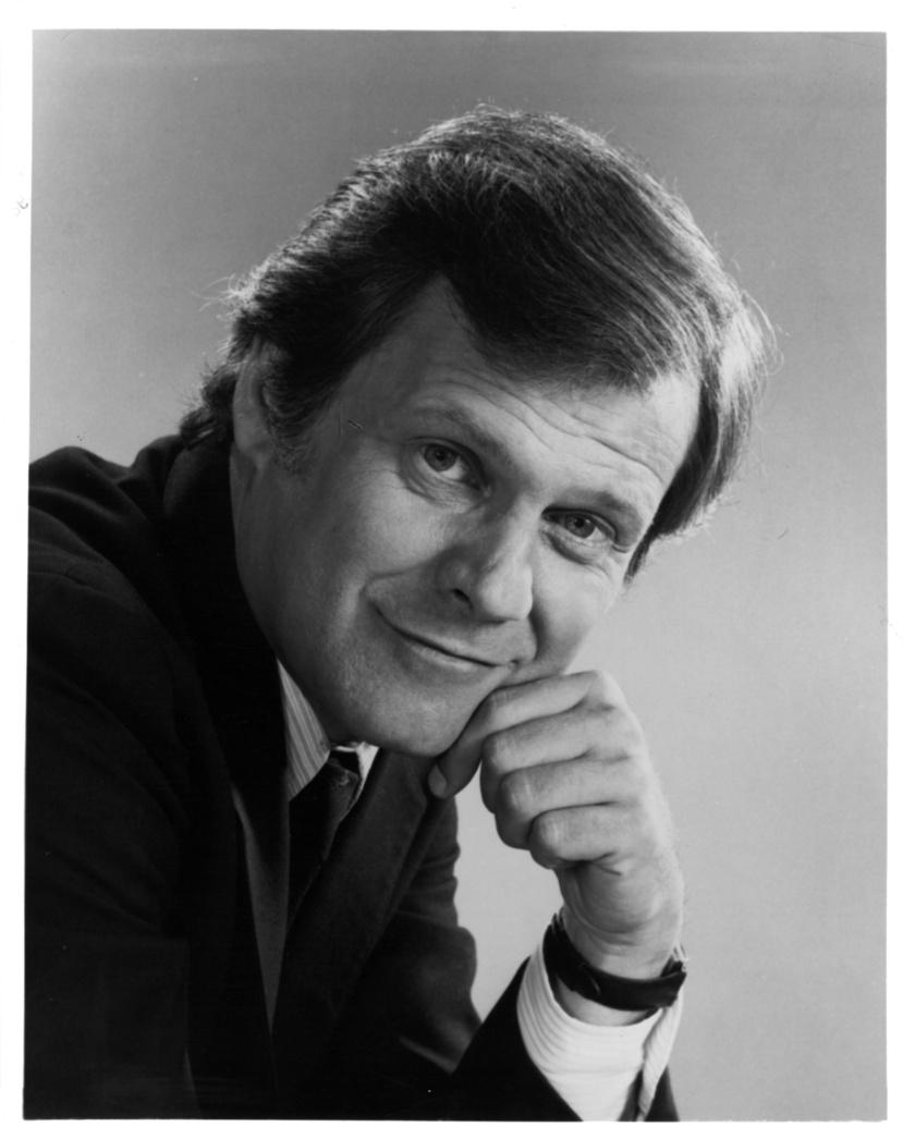 Ken Kercheval, a Dallas Cliff Barnesja 2019. április 21-én hunyt el, de csak 25-én derült ki mindez. Kiderült, tüdőgyulladás okozta halálát. 83 éves volt.
