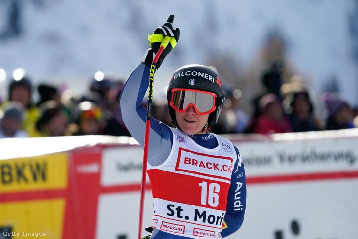 Sofia Goggia ünnepli az első helyet a St. Moritz-i alpesisí-világkupán