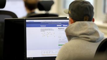 Ellopták 29 ezer Facebook-alkalmazott személyes adatait egy kocsiból