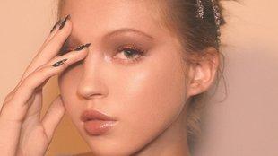 Kate Moss lánya a Marc Jacobs Beauty kampányban