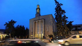 Májusban szavazásra buzdították a híveket, most kormányzati támogatást kap a Pasaréti templom