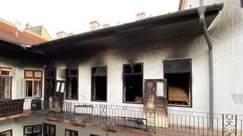 Kigyulladt egy lakás a Budai Várban
