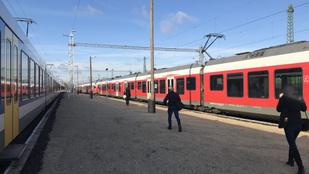 Tüntettek Szegeden a vasúti menetrendek megváltoztatása miatt
