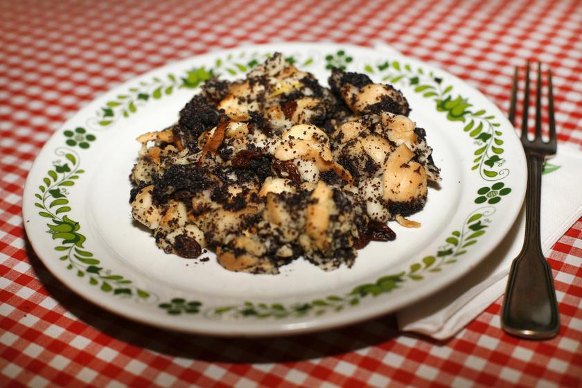 A hagyományos, karácsonyi mákos guba receptje: összesütve még finomabb