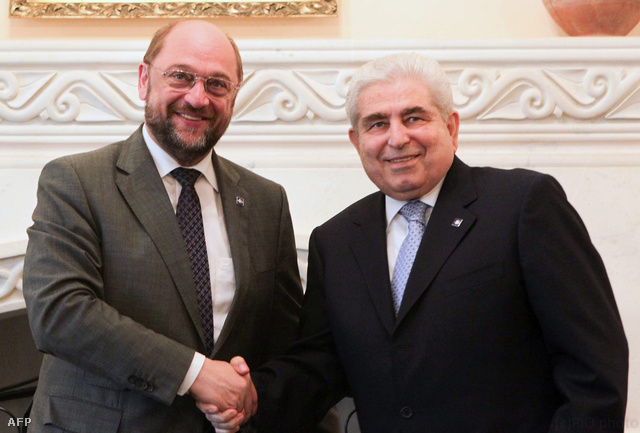 Ciprus elnöke Dimitrisz Hrisztofiasz és Martin Schulz EP elnök