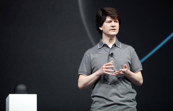 Joe Britt, a Google vezető mérnöke a Nexus Q-ról beszél.