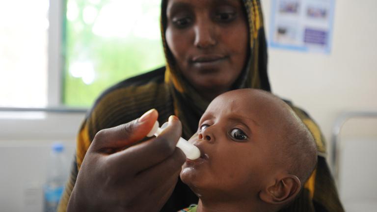 Gyerekek teájába keverik az opiátot, hogy ne érezzék az éhséget