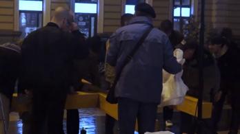 A momentumos polgármester letiltotta, a Mi Hazánk mégis felállította a kettős keresztet
