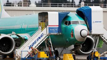 Átmenetileg abbahagyja a Boeing a 737 MAX gyártását