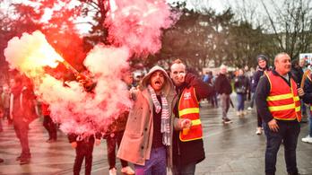 Tüntetés Franciaországban: a kórházi dolgozók is sztrájkolnak