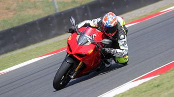 Menetpróba: Ducati Panigale V4 S - 2018.